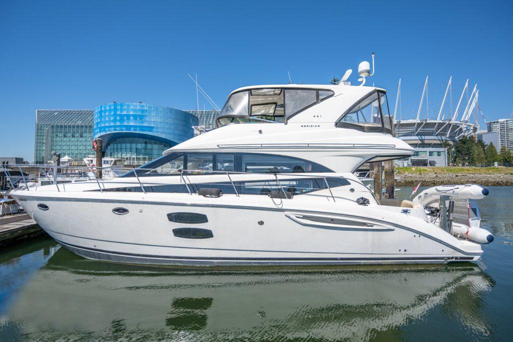50ft Meridian 441 Luxurious Yacht (Includes Captain)